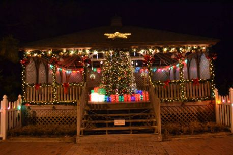hundreds gather to welcome christmas season at the 2015 hereford inlet lighthouse christmas tree lighting city of north wildwood new jersey